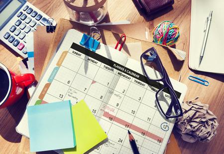oficina desordenada: Calandra Planificador de Gestión de organizaciones Recuerde Concept
