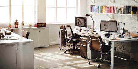 ordinateur bureau: Chambre contemporaine Bureau en milieu de travail Fournitures Concept