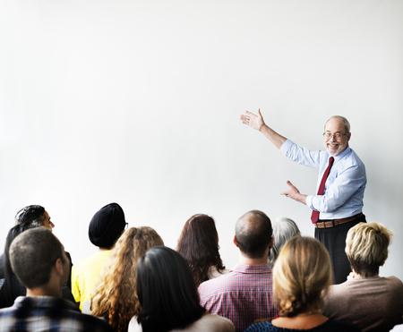 bonhomme blanc: Séminaire Business Team Listening Réunion Concept