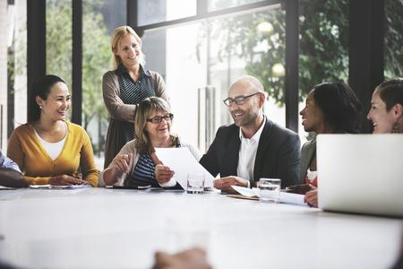 La gente a comunicaciones de trabajo en equipo concepto corporativo Foto de archivo - 52473794