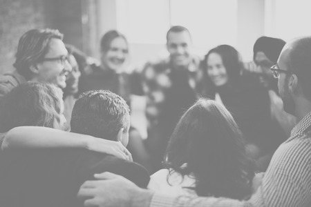 diversidad: Huddle equipo armonía Concepto Felicidad Unión