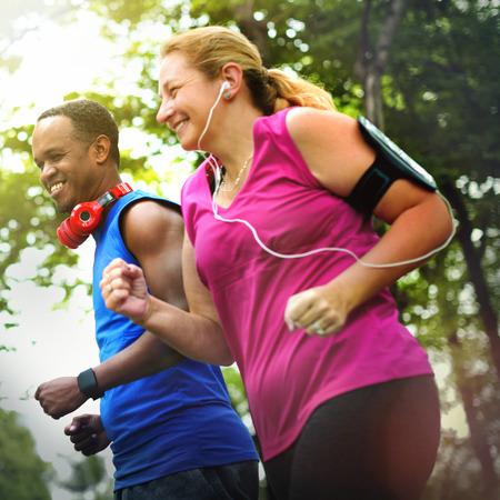 buena salud: El ejercicio cardiovascular Fitness Salud Actividad entrenamiento Concepto Fit