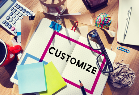 Klik hier als je Modify Ideeën Pas Creativity Customization Concept Stockfoto