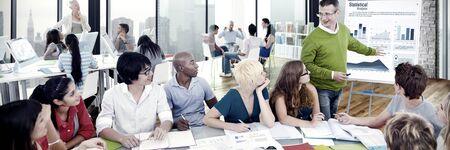 Équipe de réunion des gens d'affaires Concept de soutien de travail d'équipe