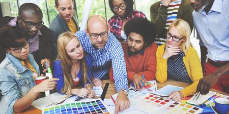 Verschiedenartigkeit Menschen Brainstorming Diskussion Design Concept
