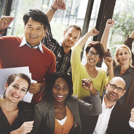 meeting people: Concepto de negocio de equipo �xito Logro brazo levantado Foto de archivo