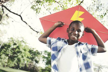 African Boy Spielen Freizeit Konzept Glücklichsein