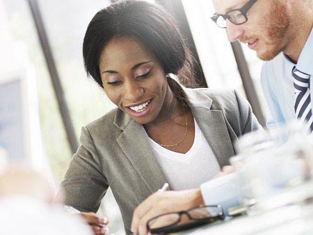 hombre escribiendo: Gente de negocios Reunión de Discusión Comunicación Concepto
