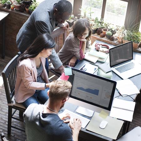 Business Team discussie gegevens Marketing Statistieken Concept