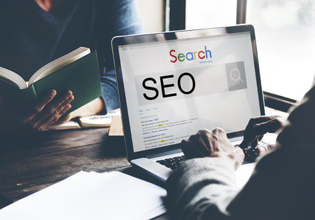 Concepto de SEO Search Engine Optimización de marketing de negocios