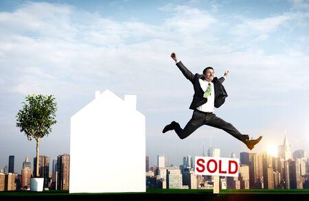corredor de bolsa: Venta en subasta Vendido Broker Inversiones Concepto Publicidad