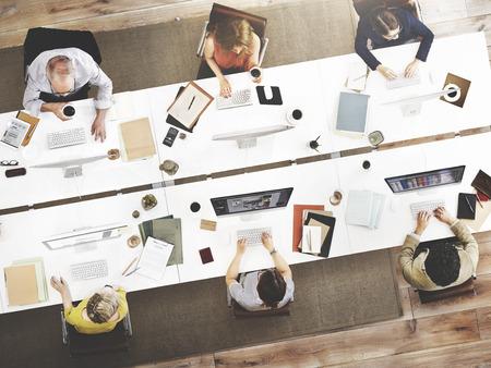 비즈니스 팀 회의 연결 디지털 기술 개념