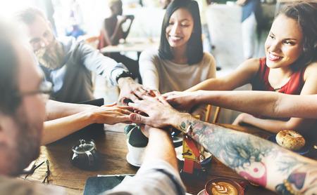 grupos de personas: Concepto de las personas de la unidad de Amigos Asociación de reuniones Foto de archivo