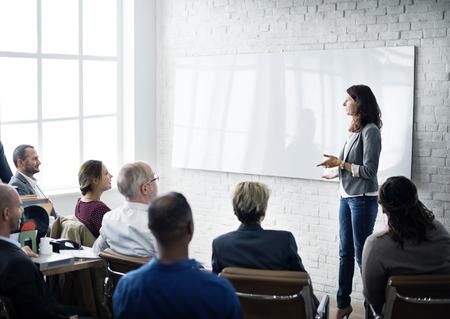 liderazgo empresarial: Aprendizaje Planificación Formación Conferencia de Entrenamiento del concepto del asunto Foto de archivo