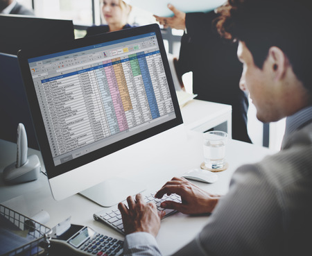 Homme d'affaires de travail Statistiques comptables Stats Concept Banque d'images - 53103143