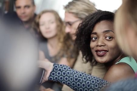 personas trabajando en oficina: Concepto de Trabajo Discusi�n de negocios Reuni�n del Equipo
