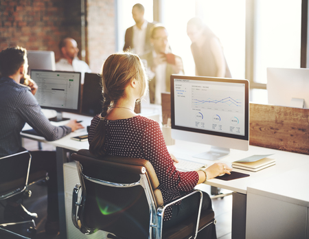 ESTADISTICAS: Finanzas informe de estadísticas de Empresarias concepto de oficina