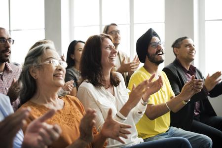 Publiek Applaud Clapping Happines Waardering Training Concept Stockfoto - 53104467