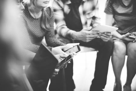 personas escuchando: Escuchando Convención Reunión Concepto Soporte Presentación