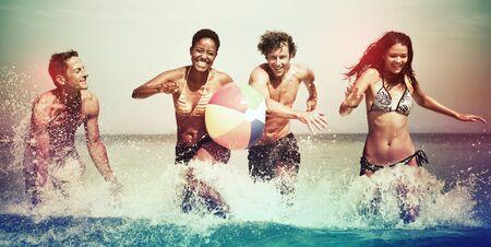 Amigos de vacaciones Beach Despreocupado Relax Concepto