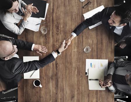 Business Team meetng Hände schütteln Applaudieren Konzept