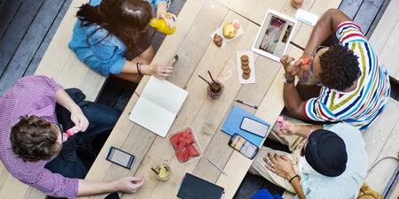 Die Teilnahme Bildung Brainstorming Anschlusskonzept Standard-Bild - 53560495