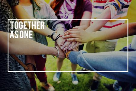 juventud: Amigos de las personas Unidad Colaboración Trabajo en equipo Concepto