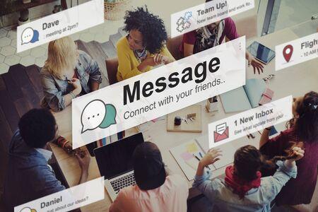 коммуникация: Сообщение Новости Письмо Информация Концепция связи Фото со стока