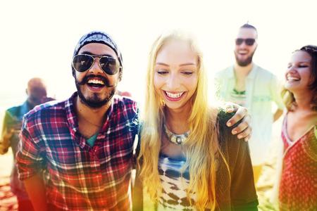 couple  amoureux: Amiti� Bonding Relaxation Summer Beach Bonheur Concept Banque d'images