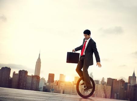 균형 비즈니스 통근 환경 남성 개념