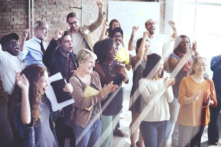 慶典: 團隊亂堆和諧相伴的幸福觀 版權商用圖片