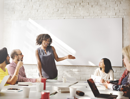 Connexion Concept de convivialité de remue-méninges d'entreprise