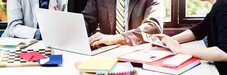 Stratégie de périphérique Hommes d'affaires numérique de planification du travail Concept Banque d'images