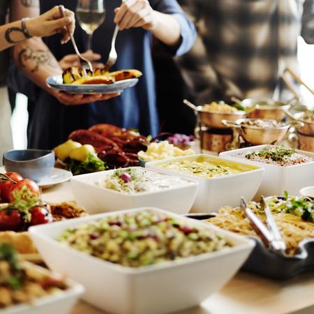 menu de postres: La cena de buffet comida restaurante de concepto de alimentación Foto de archivo
