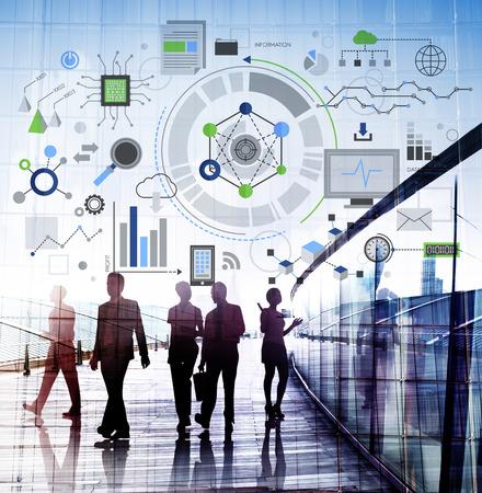 hombres ejecutivos: Concepto de Información de Red Digital Tecnología Foto de archivo