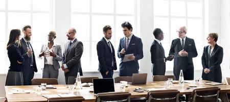 Concepto de Trabajo Discusión Los hombres de negocios Reunión