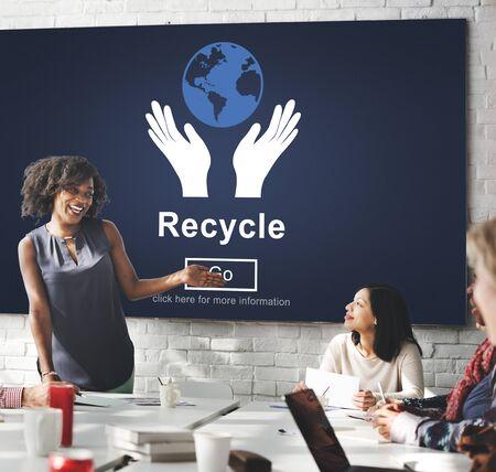 ecosistema: La reutilizaci�n recicla reduce concepto del ambiente del Ecosistema