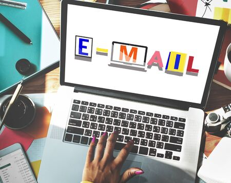 correspondence: Concepto de correo electr�nico correspondencia Comunicaci�n Palabra Estilo