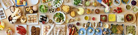 Bufete do alimento que janta comendo o partido que compartilha do conceito