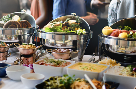 menu de postres: La comida del buffet Catering Comer Comer partido concepto Sharing
