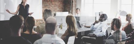 スピーカー セミナー企業のビジネス会議のコンセプト
