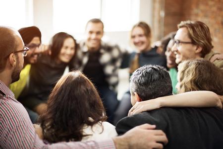 Team Huddle Harmonie Zusammenhalt Konzept Glücklichsein Standard-Bild