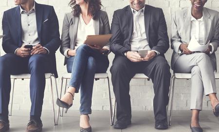 hombres trabajando: Concepto de conexión de dispositivos de negocios Personas Corporate Meeting Digital Foto de archivo