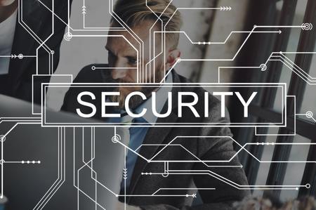 privacidad: Escudo de Seguridad de privacidad La confidencialidad Protección Concept Foto de archivo