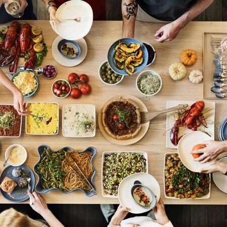 Amis Party Buffet Jouissant Concept alimentaire