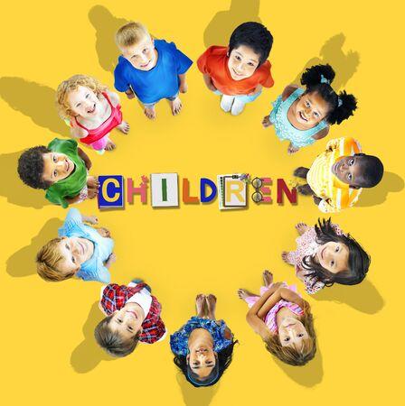 girotondo bambini: Bambini Bambini Offspring Concetto giovane Adolescenza