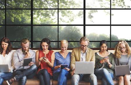 Verschiedenartigkeit Anschluss Digital Devices Browsing-Konzept Lizenzfreie Bilder