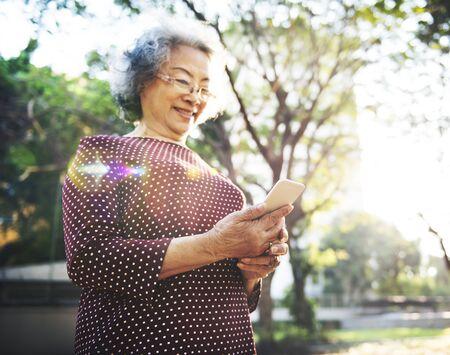 llamando: Movilidad Tercera edad Concepto en l�nea de llamada