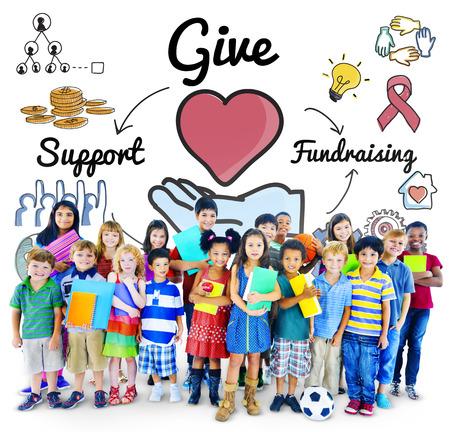 サポート募金ヘルプ慈善の概念を与える