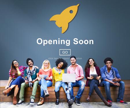 Opening Soon starten Willkommen Werbung Handelskonzept Standard-Bild